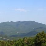 弓立山に登山!山頂はパラグライダー場跡で好展望 [埼玉県比企郡ときがわ町]