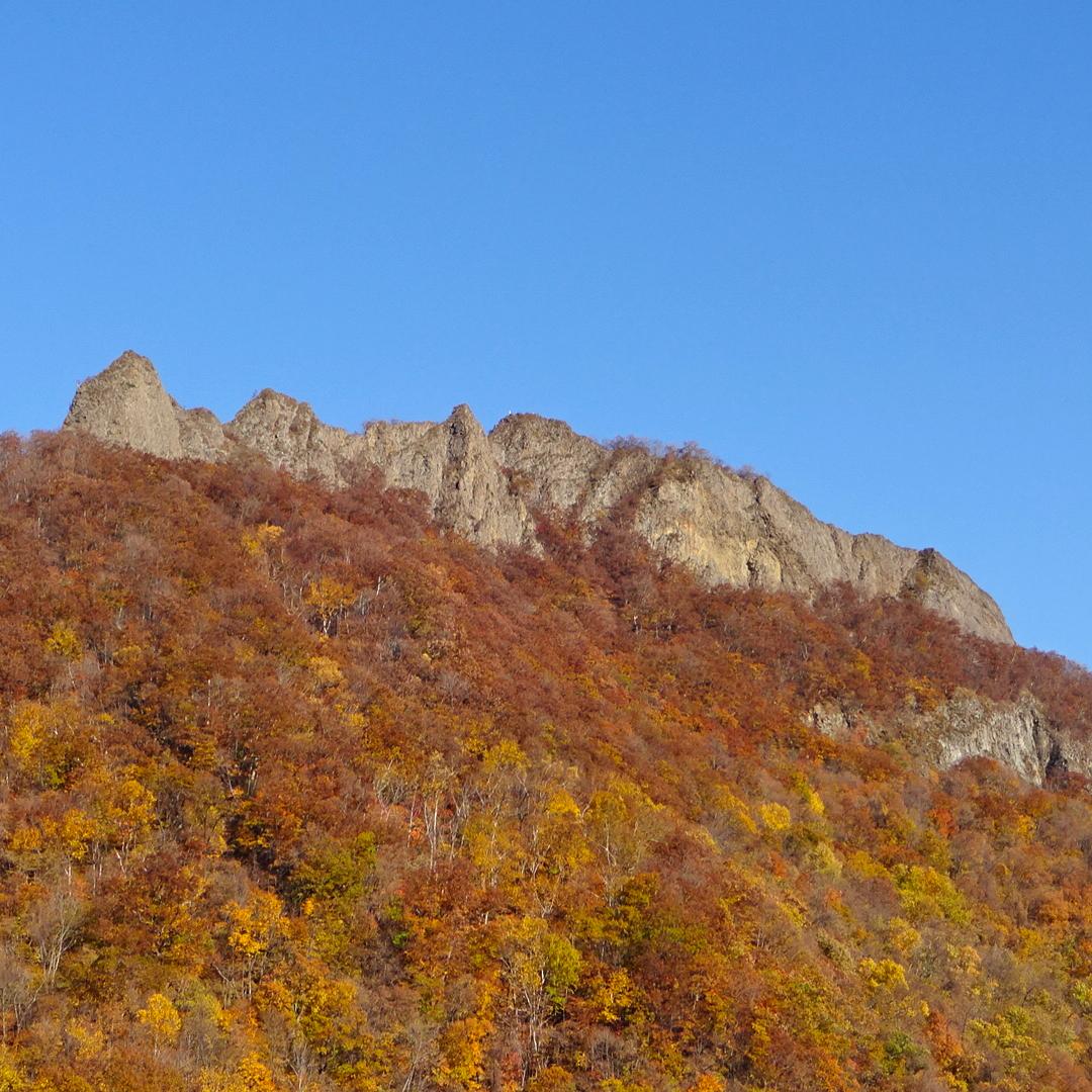 八剣山 観音岩山