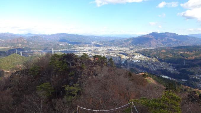 岩櫃山 山頂 中之条方面