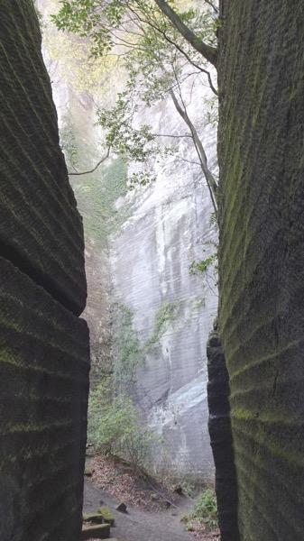 鋸山 石切り場跡