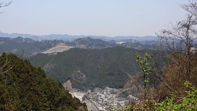 青梅丘陵ハイキング 雷電山 山頂 眺望