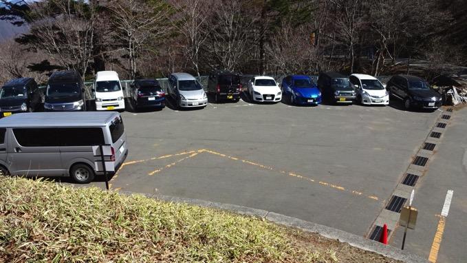 上日川峠 駐車場