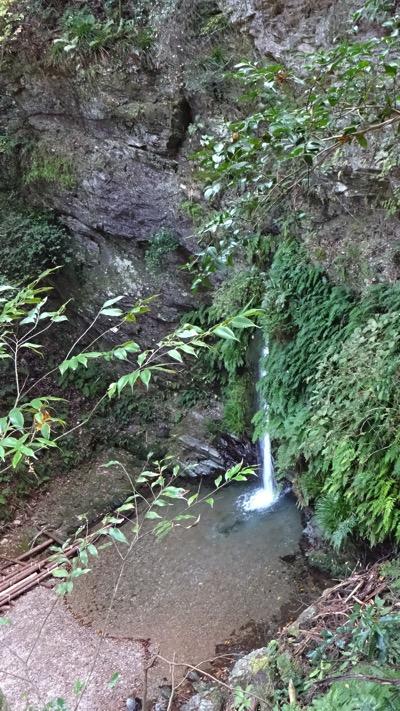 宿谷の滝 ハイキング