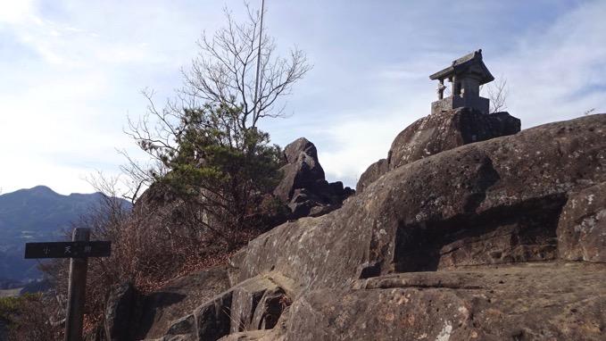嵩山 たけやま 登山 小天狗