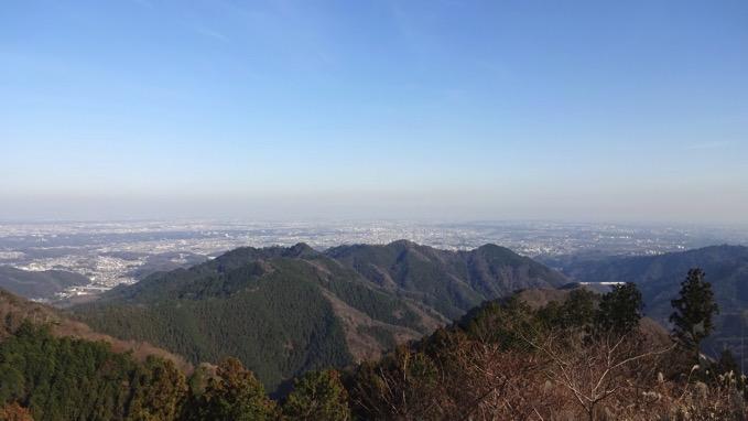 景信山 登山 ハイキング 山頂 展望 関東平野