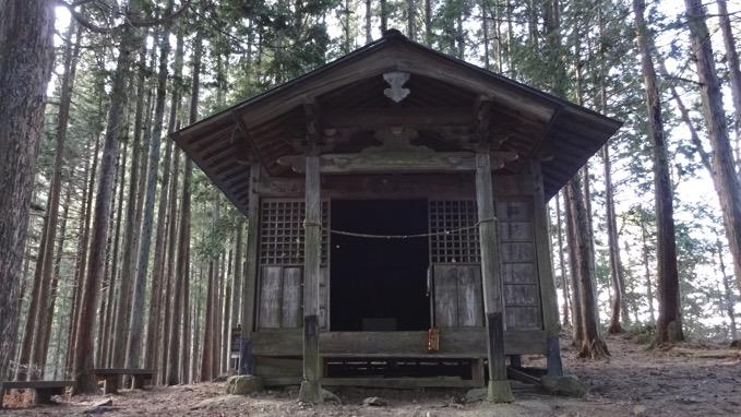 四阿屋山 登山 両神神社奥社