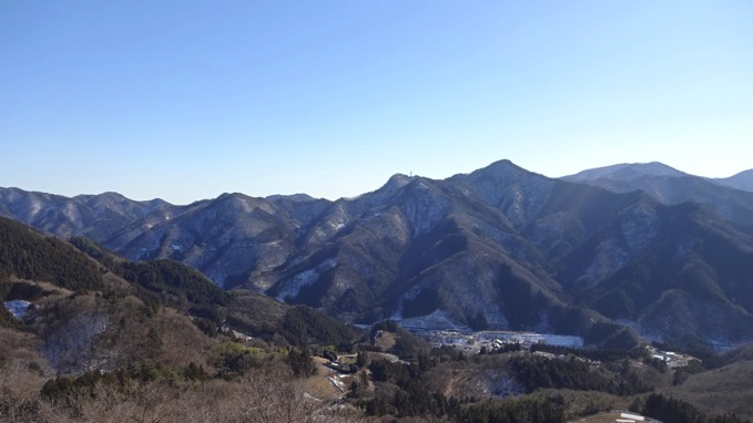 日向山 登山 ハイキング 芦ヶ久保 山頂