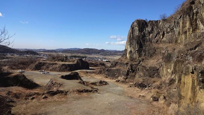 岩船山 撮影 ロケ 特撮 中腹採石場跡 クリフステージ