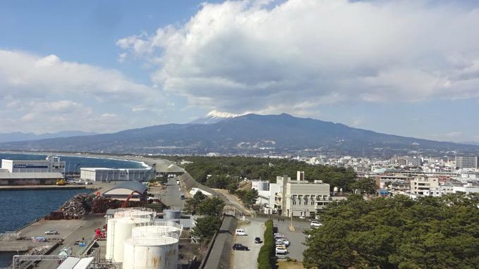 びゅうお 沼津港大型展望水門 富士山