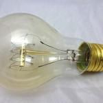 ニトリのアンティーク電球を試す。明るさはこんな感じ
