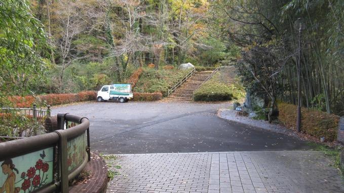 金鑚神社 駐車場