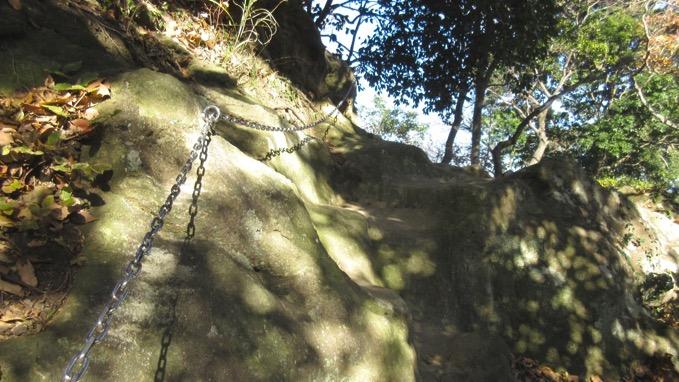 鷹取山 ハイキング 鎖場