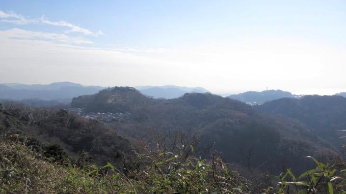 衣張山ハイキングコース 浅間山 展望