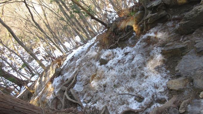 岩茸石山 登山
