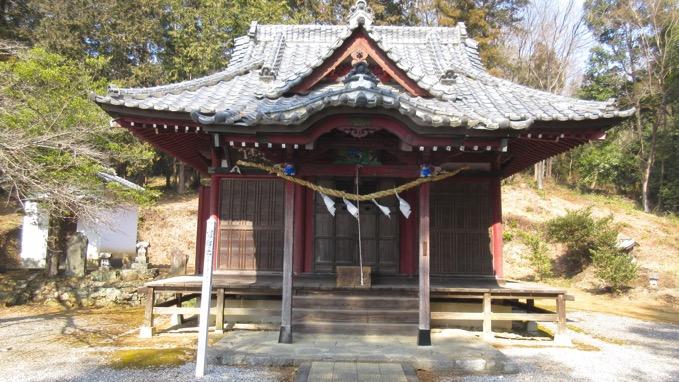 露垂根神社